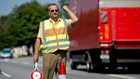 Die bayrische Polizei geht wie die Bundespolizei stärker gegen Schlepperbanden vor.