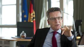 Zustrom überfordert Deutschland: Opposition warnt de Maizière vor Grundgesetzänderung