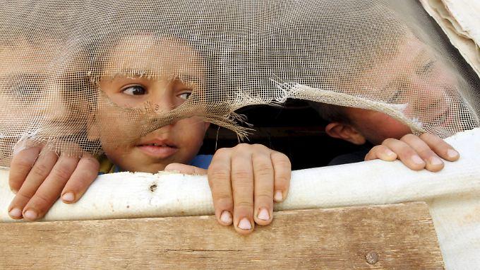 Syrische Flüchtlinge im Libanon werden von der UN-Organisation WFP mit Lebensmitteln versorgt. Doch nicht immer reichen die Rationen aus.