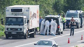 Organisiert wie Mafiabande: Hintermänner von Schleusern verdienen am Unglück