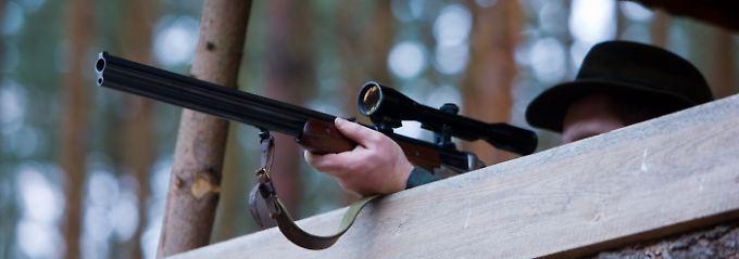 Ein Waffenbesitzer muss die Gewähr dafür bieten, dass er persönlich geeignet ist, mit Waffen oder Munition vorsichtig und sachgemäß umzugehen.