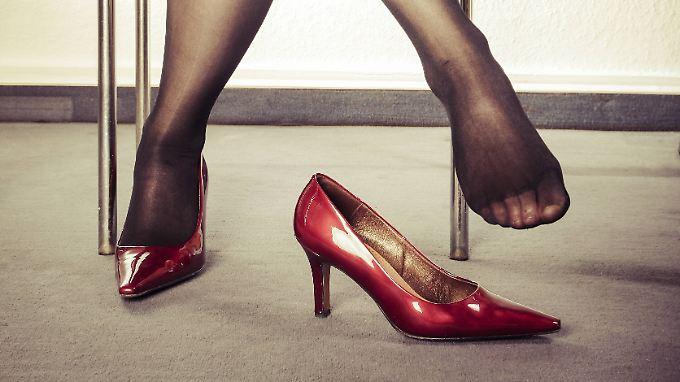 Die Bundesregierung beklagt: Frauen haben nicht die gleichen beruflichen Chancen.