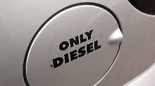 Schadstoffärmere Motoren: Daimler nimmt Geld in die Hand