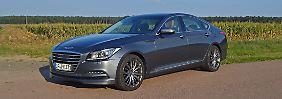 Die Wuchtige Fornt und das geflügelte Logo lassen beim Hyundai Genesis schnell eine Nähe zu Aston Martin vermuten.