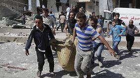 Assads Luftwaffe bombardiert nach wie vor die Zivilbevölkerung des Landes. Das Bild zeigt die Ortschaft Kafruma in der Provinz Idlib.