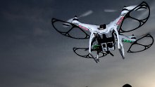 Unfälle immer häufiger: Dobrindt plant Führerschein für Drohnen