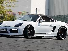 Klappe zu: Ganz so easy wie bei anderen Porsches ist Open-Air-Feeling beim Boxster Roadster nicht zu erreichen.