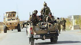 Die afghanische Armee ist den Taliban alleine nicht gewachsen - allen Milliardeninvestitionen zum Trotz.