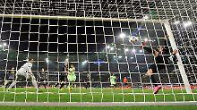 + Fußball, News, Gerüchte +: Uefa korrigiert Schiri-Fauxpas in Gladbach