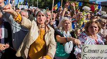 """""""Würde und Gerechtigkeit"""": Tausende Moldauer fordern Neuwahlen"""