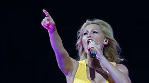 Promi-News des Tages: Deutschlands erotischste Sängerin nervt