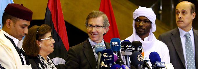 Nach monatelangem Streit: Libyer bilden Einheitsregierung