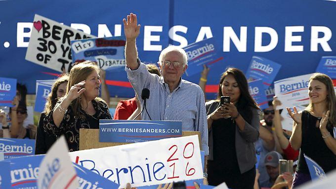 Bernie Sanders kommt in den Umfragen (noch) nicht an Hillary Clinton heran. Aber anders als sie, zieht er große Massen an.