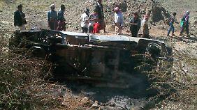 Ein zerstörter Truck im Jemen nach einem Drohnenangriff der USA.