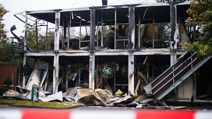 Mit 40 Mann musste die Feuerwehr anrücken, um den Brand zu löschen.