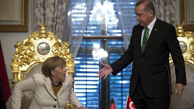 Angela Merkel reiste mit einem Bündel an Angeboten in die Türkei.