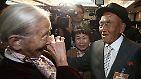 Es waren Momente unvorstellbarer Freude nach Jahrzehnten der Sehnsucht. Die Südkoreanerin Lee Soon-kyu, 83 Jahre alt, hat ihren Ehemann das letzte Mal vor 62 Jahren gesehen.
