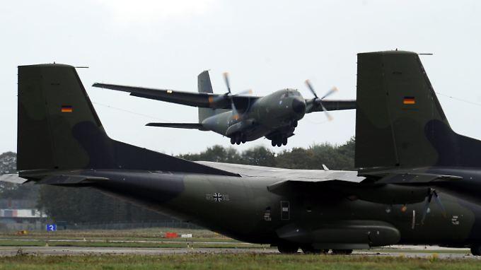 Plan für schnellere Abschiebung: Regierung will Transall-Maschinen der Bundeswehr einsetzen