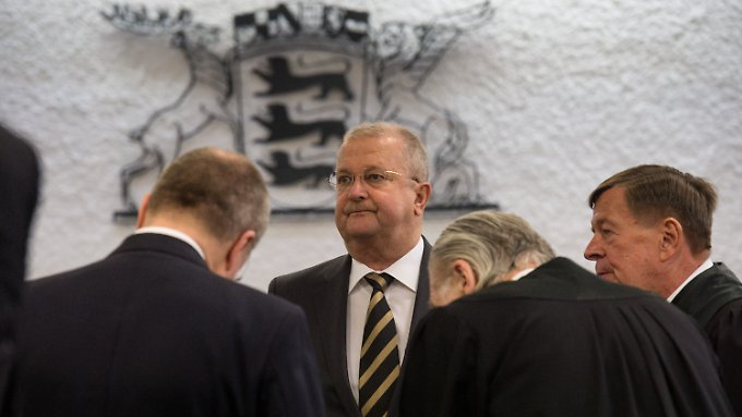 Wendelin Wiedeking (hier bei einem früheren Prozesstermin) soll eine saftige Buße zahlen.