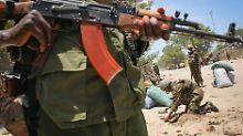 Soldaten der Afrikanischen Union sollen Somalia vor der Terrorgruppe Al-Schabaab schützen.