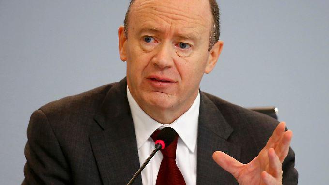 Kritik des Deutsche-Bank-Chefs: Cryan hält Banker-Gehälter für zu hoch