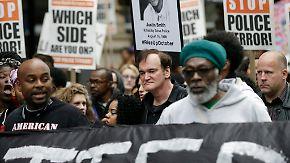 Promi-News des Tages: Tarantino beschimpft Polizisten als Mörder