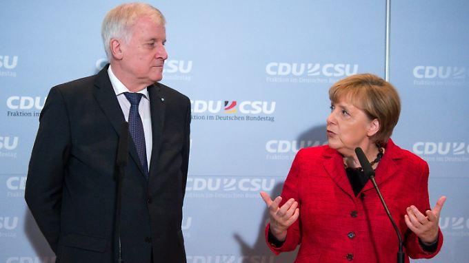 Horst Seehofer war bei der Bundestagsfraktion zu Gast - und verhielt sich freundlich.