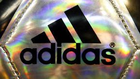 WM-Skandal schadet Sponsor nicht: Adidas erhöht Prognose für Gesamtjahr