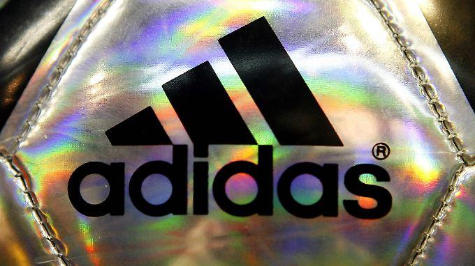 Trotz Sponsoring bei Heim-WM 2006: Adidas erhöht Prognose für Gesamtjahr