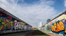 Seit 1991 steht das 1,3 Kilometer lange Mauerstück unter Denkmalschutz.