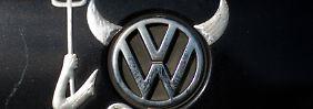 Ein VW-Logo in Teufelsoptik