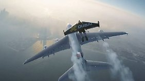 "Spektakuläre Promoaktion in Dubai: ""Jetmen"" fliegen neben größter Passagiermaschine"