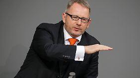 Johannes Kahrs sitzt seit 1998 für die SPD im Bundestag, seit 2004 ist er Sprecher des einflussreichen Parteiflügels Seeheimer Kreis.