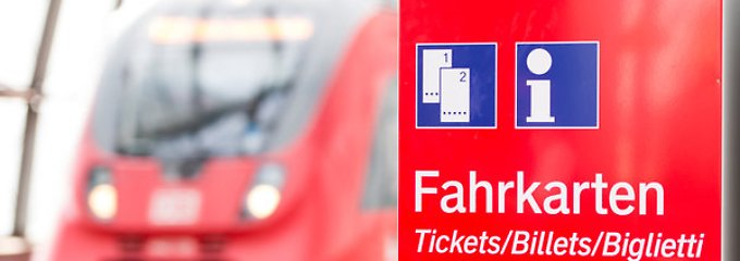 """Bahn und Staatsanwaltschaft warnen: Seiten wie """"bahnheld.com"""" bieten eine scheinbar günstige Alternative zum regulären Fahrpreis."""