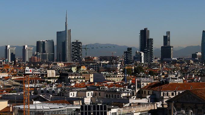 Finanzstandort Mailand: Die Zentrale der Unicredit ragt mit der charakteristischen Spitze im Stadtteil Porta Nuova auf.