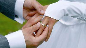 Beruf häufig entscheidend für Partnerwahl: Gleich und Gleich gesellt sich gern