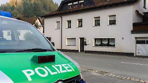 Fahndung nach verdächtiger Frau: Fund von acht Babyleichen schockiert Oberfranken