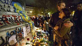 Schock und Fassungslosigkeit: Pariser trauern um die Opfer