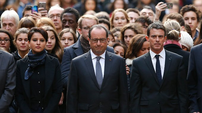 Schweigeminute in Paris: Hollande fordert UN-Resolution für Kampf gegen den IS