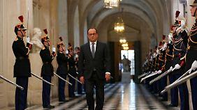 François Hollande geht entschlossen vor - und nimmt so den Rechten den Wind aus den Segeln.