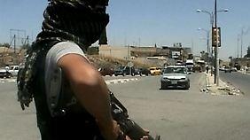 """Luftschläge """"nicht richtiger Weg"""": Wie kann der IS gestoppt werden?"""