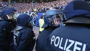 Bundesliga im Schatten des Terrors: Fans müssen sich auf strenge Sicherheitskontrollen einstellen