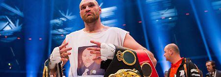 """""""Gott hat mir den Sieg geschenkt"""": Tyson Fury wettet, boxt, siegt und kassiert"""