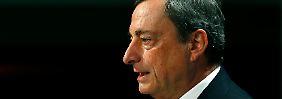 Niedrige Zinsen: Warum Draghi hart bleibt
