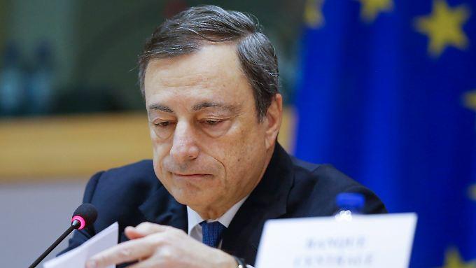 Steht wegen seiner Andeutungen in der Kritik: Mario Draghi.
