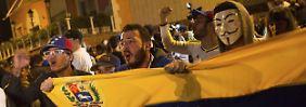 Siegesfeier in Caracas: Die Stimmung in der venezolanischen Hauptstadt droht schon am Tag nach der Wahl zu kippen.