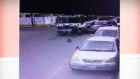 Kaum zu glauben, aber wahr: Polizist auf Motorrad kollidiert mit Truck und Bus