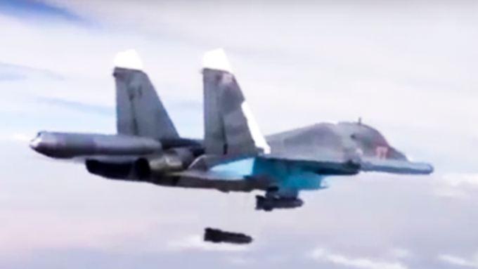 Auch nach Beginn der Waffenruhe fliegt Russland weiter Luftangriffe - hier ein Su-34-Bomber.