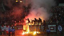 Drittliga-Spiel in Erfurt: Kinder durch Pyrotechnik schwer verletzt