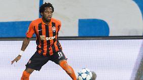 Die südamerikanische Fußball-Konförderation sperrt Donezks Fred wegen Dopings.